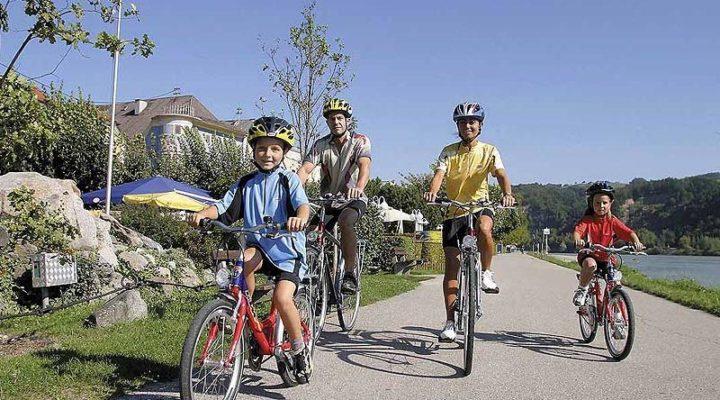 Bike Riding Essentials for Families Biking to the Beach